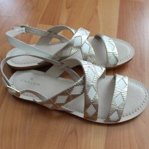 Caslon 8.5 White Silver Leather Sandals Peep Toe